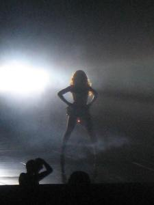 Beyonce first pose @BELL CENTER, MONTREAL, CANADA